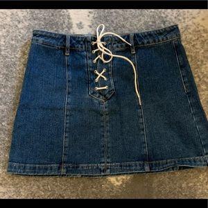 Kendall and Kylie dark denim mini skirt!